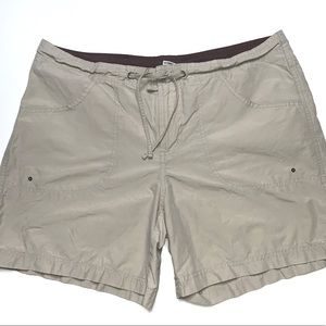 Columbia Sportswear Shorts Size Medium Tan Khaki